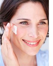 Anti-Aging Produkte – Tipps zur Pflege gegen Falten