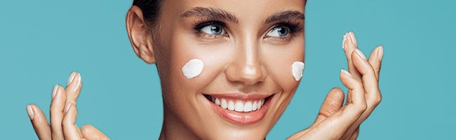 So erkennst den Hauttyp trockene Haut